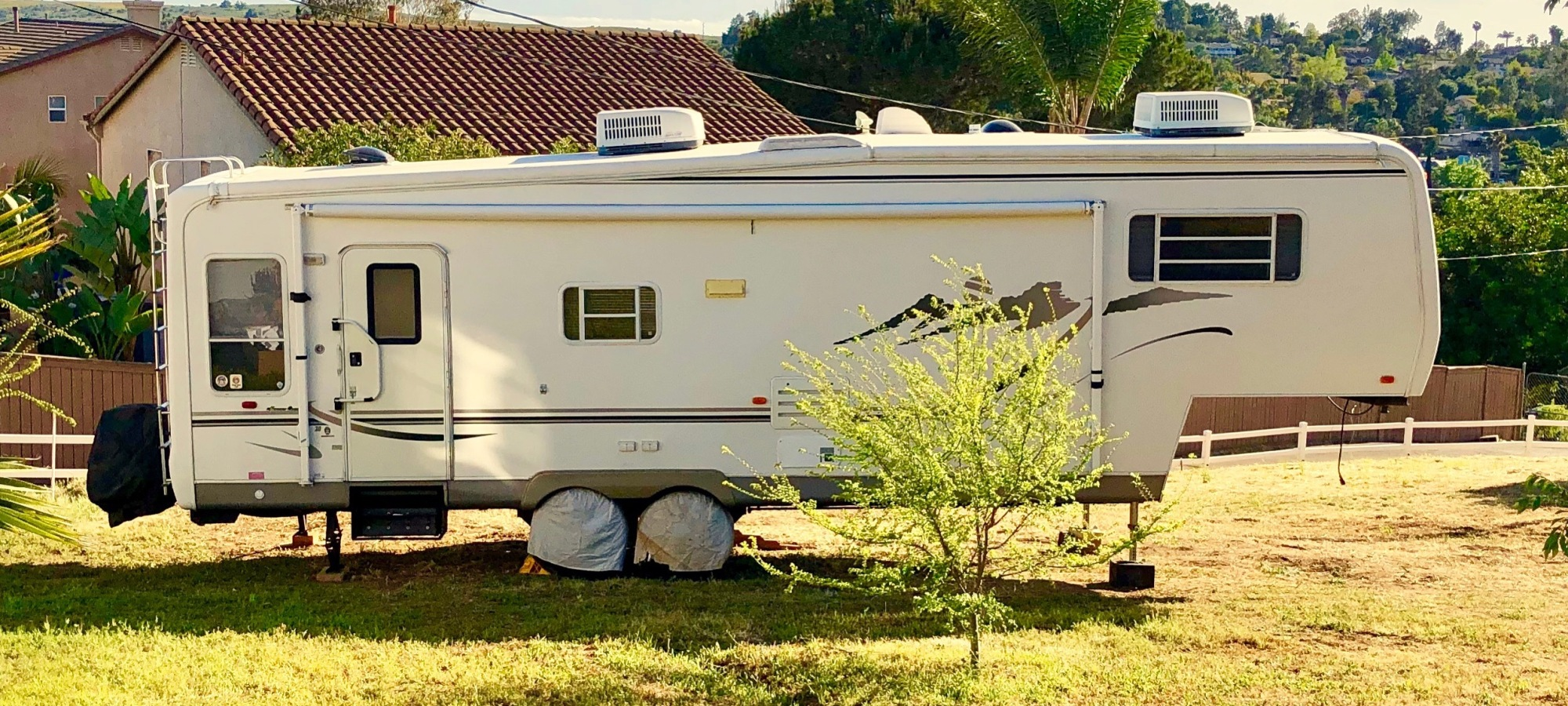 fifth wheel and tiny home living